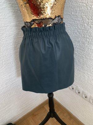 Zara Falda de cuero de imitación petróleo