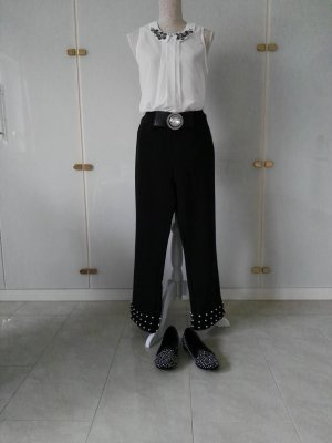 Zara 7/8 Hose in L mit Perlenverarbeitung