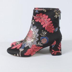 Zara Ankle Boots Gr. 36 schwarz gemustert (19/05/186)