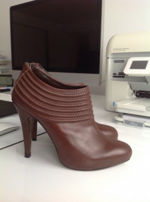 Zara Ankle Boots in 36