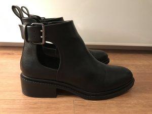 Zara ankle Boots Stiefel Stiefeletten 39 schwarz mit cut out loch