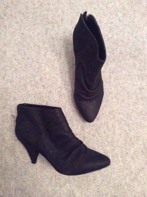 Zara Ankle Boots Stiefeletten in schwarz