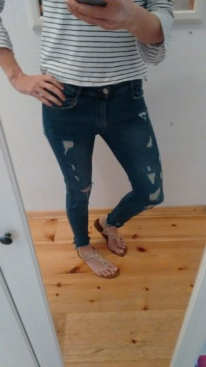 Zara Ankle Ripped Jeans