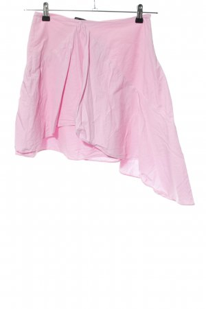 Zara Falda asimétrica rosa look casual