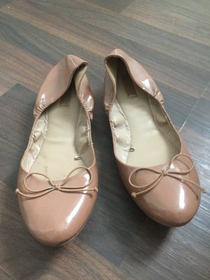 Zara Ballerines en cuir verni rose chair