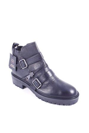 Zara Basic Boots schwarz Casual-Look