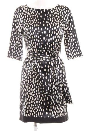 Zara Basic Etuikleid schwarz-weiß Punktemuster Street-Fashion-Look