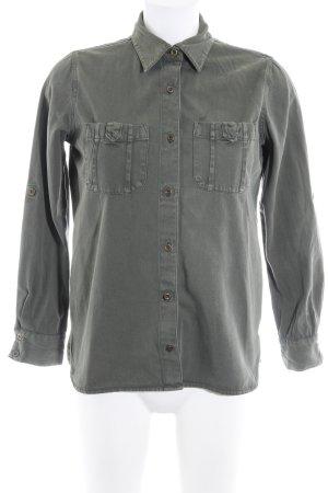 Zara Basic Jeanshemd dunkelgrün Casual-Look