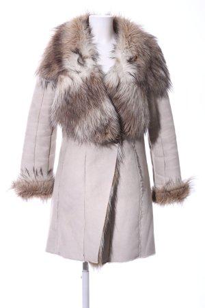 Zara Basic Kunstfellmantel wollweiß-braun Street-Fashion-Look