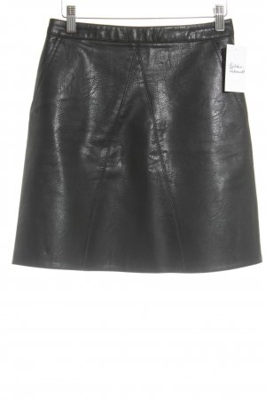 Zara Basic Kunstlederrock schwarz Party-Look