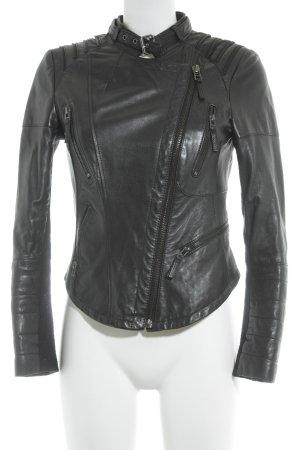 Zara Basic Lederjacke schwarz Street-Fashion-Look