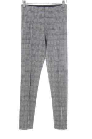 Zara Basic Leggings weiß-schwarz Hahnentrittmuster Street-Fashion-Look