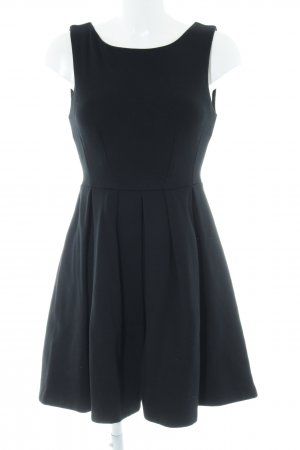 Zara Basic Midikleid schwarz Romantik-Look