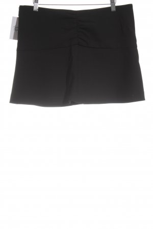 Zara Basic Minirock schwarz Street-Fashion-Look