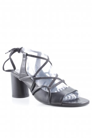 Zara Basic Outdoor-Sandalen schwarz Casual-Look