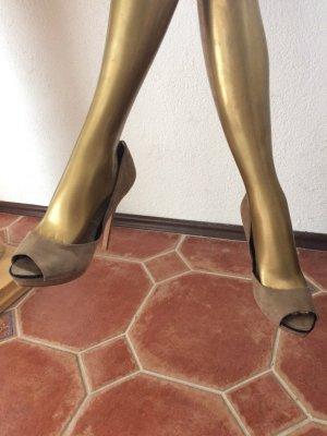 Zara Tacones con punta abierta beige