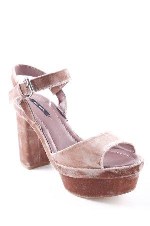 Zara Basic Plateau-Sandalen beige-creme Street-Fashion-Look