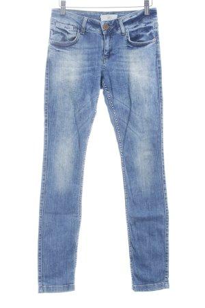 Zara Basic Röhrenjeans kornblumenblau Jeans-Optik