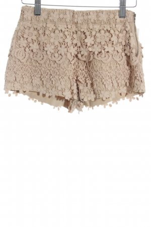 Zara Basic Shorts beige Romantik-Look