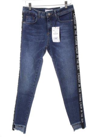 Zara Basic Skinny Jeans blau-stahlblau Schriftzug gedruckt Casual-Look