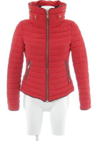 Zara Basic Veste matelassée rouge motif de courtepointe style décontracté