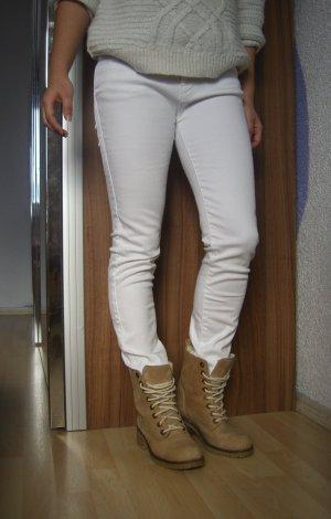 Zara Basic weiße Röhrenjeans