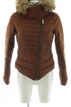 Zara Basic Winterjacke braun Casual-Look
