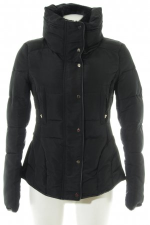 Zara Basic Winterjacke schwarz Casual-Look