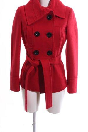 Zara Basic Abrigo de lana rojo look casual