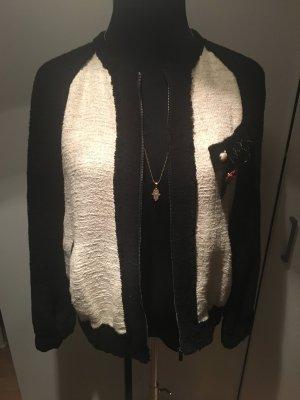 Zara Blazer Jacke Blumen Blogger Chanel Look