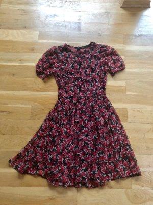 Zara Blogger Blumen Kleid XS 32 34