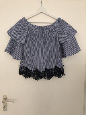 Zara // Bluse mit Spitze