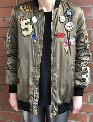 Zara Bomberjacke mit Patches