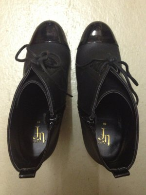 Zara Booties schwarz mit Lackkappe Größe 39