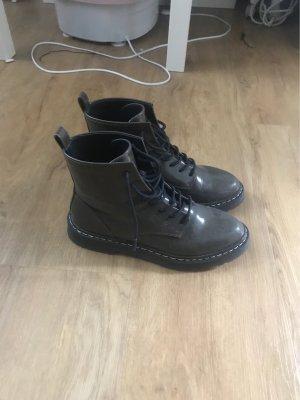 Zara Chelsea Boots khaki