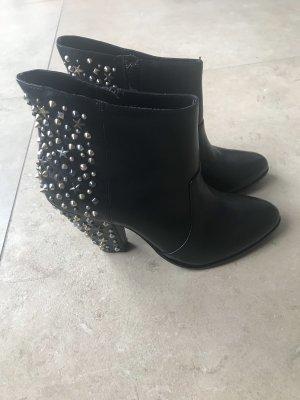 Zara Boots Nieten Boots Stiefeletten NEU