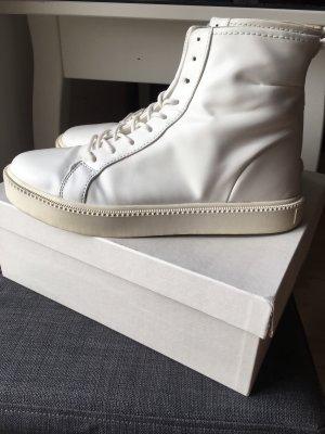 ZARA BOOTS WHITE