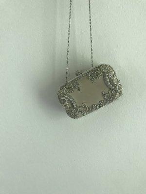 Zara Box Clutch mit Perlen
