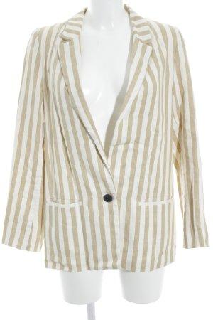 Zara Boyfriend-Blazer creme-wollweiß Streifenmuster Street-Fashion-Look
