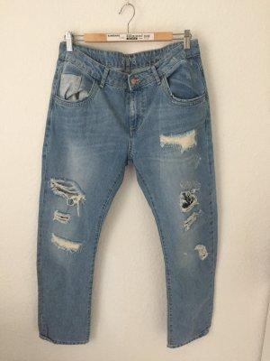 Zara Boyfriend Jeans Destroyed Hellblau