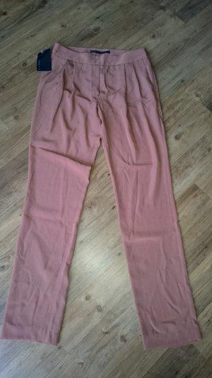 Zara Bundfaltenhose in Nude/Apricot, weiter Schnitt