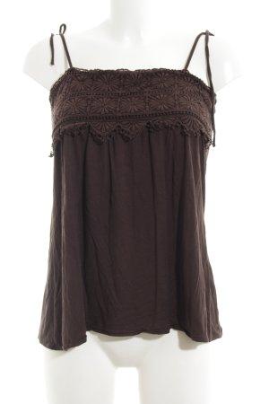Zara Camisola marrón look casual