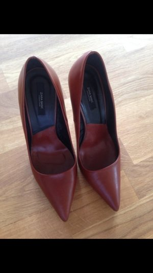 Zara closet essentials Pumps aus Leder in Cognac Braun