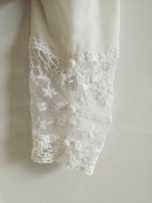 Zara Cremeweiße Bluse mit Spitzendetails Gr. M