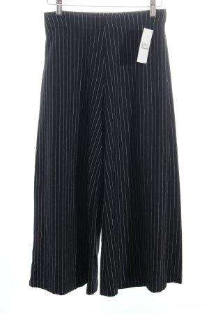 Zara Culottes dunkelblau-weiß Nadelstreifen Street-Fashion-Look