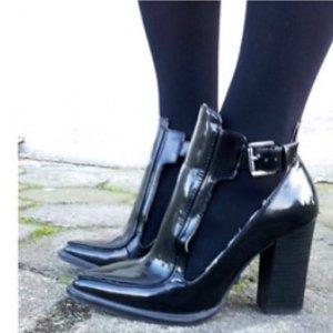 Zara Chaussure à talons carrés noir cuir