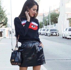 Zara Jersey con cuello de pico negro