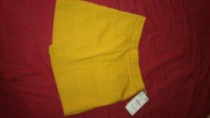 Zara Damenshorts schick kurz gelb