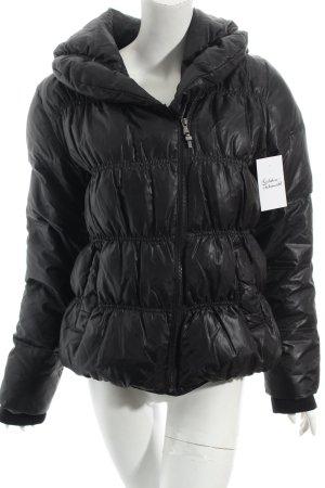 Zara Daunenjacke schwarz klassischer Stil