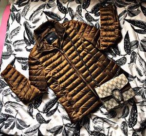 Zara Chaqueta de plumón color bronce